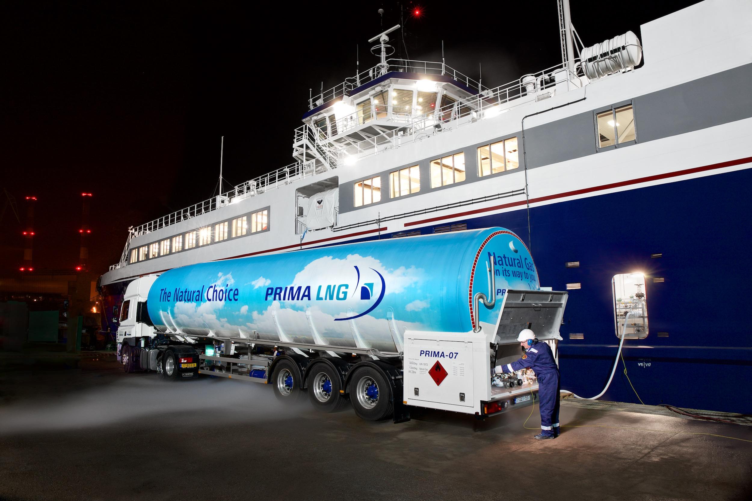 Bunkrowanie statku LNG